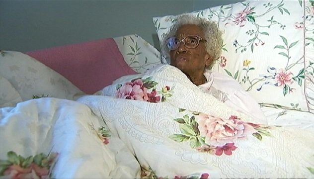 Movers, deputies refuse to evict 103-year-old woman