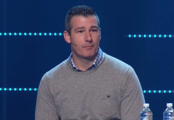 Tennessee megachurch pastor given standing ovation for admitting to past 'sexual incident' with teen