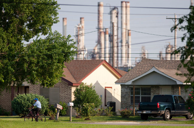With Neighbors Unaware, Toxic Spill at a BP Plant