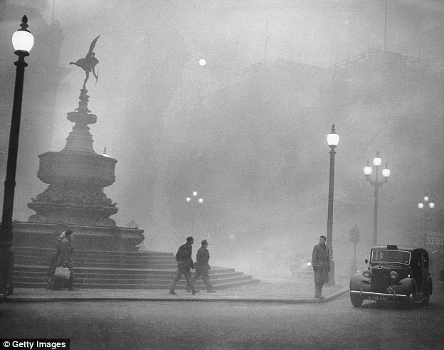 Mystery of London's killer fog: Researchers reveal how chemicals combined to form haze that killed 12,000