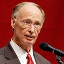 Photo: Bible-thumping Alabama governor expelled from church after racy phone calls go public