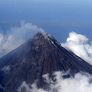 Photo: Lava flows from Philippine volcano; thousands flee