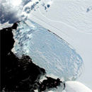 Photo: Western Antarctic ice chunk collapses